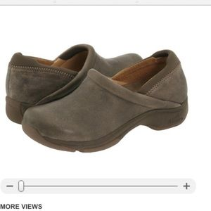 Dansko Kelsey Stone Distressed Leather Clogs 8.5